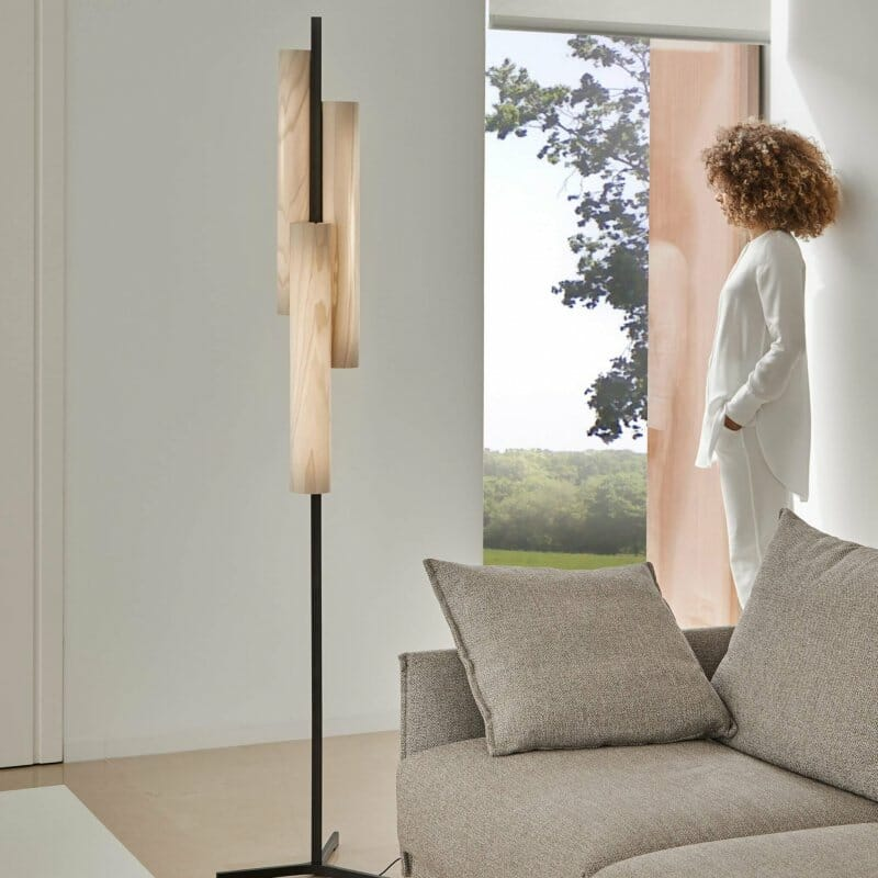 Black Note Floor Lamp